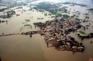 pakistan-floods-2010-8-8-13-30-43